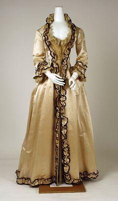 Tea gown ca. 1880
