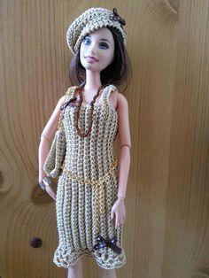 vêtement poupée mannequin Barbie (248)
