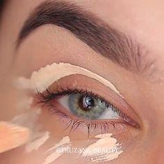 "Beautiful 😍😍 History of eye makeup ""Eye care"", put simply, ""eye make-up"" happens to be Eye Makeup Tips, Glam Makeup, Pretty Makeup, Makeup Goals, Skin Makeup, Makeup Inspo, Makeup Inspiration, Makeup Products, Eye Products"