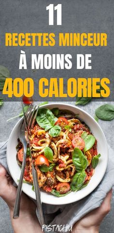 11 Recettes Minceur À Moins De 400 Calories - Pistachiu These super healthy slimming recipes, less than 400 calories, provide protein and fiber so that you are full throughout the day. Plats Healthy, Healthy Dishes, Healthy Snacks, Healthy Eating, Healthy Recipes, Easy Recipes, Soup Recipes, Diet Recipes, Easy Meals