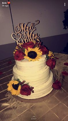 Roses and sunflower wedding cakes, rustic wedding ideas , country weddings - s. Roses and sunflower wedding cakes, rustic wedding ideas , country weddings - summer wedding - Wedding Cake Roses, Summer Wedding Cakes, Wedding Cake Rustic, Rose Wedding, Dream Wedding, Country Wedding Cakes, Fantasy Wedding, Floral Wedding, Sunflowers And Roses