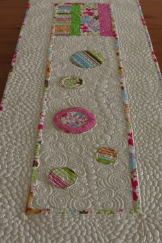 Spring Easter Quilted Table Runner with Appliqued by SewYouLikeIt, quilt table runners, quilted table runners, machin quilt, appliqu, quilt idea, machine quilting, easter quilt