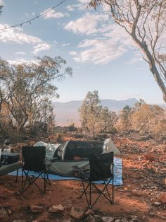 New travel trend for adventure travellers: heli swag camping in the Flinders Ranges. A complete guide to heli swag camping. Camping Aesthetic, Travel Aesthetic, Places To Travel, Travel Destinations, Places To Go, Travel Tips, Cabana, World Of Wanderlust, Roadtrip
