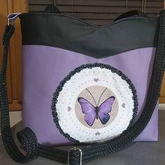 Karine.m sur Instagram: Deux critères pour ces deux réalisations : des papillons et une couleur : lilas. Elle en a été ravie. Sac à dos limbo #sacôtin, sac annie…