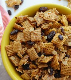 Oatmeal Raisin Cookie Snack Mix