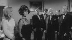 """""""10 Indiecitos"""" (""""Agatha Christie's 'Ten Little Indians'"""", 1965). Dir. George Pollock. Stars:  Hugh O'Brian, Shirley Eaton, Fabian."""