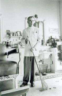 Still of Billy Bob Thornton in The Man Who Wasn't There