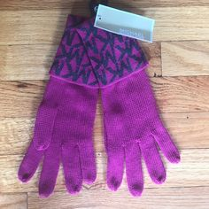 MICHAEL Michael Kors Gloves Super cute MICHAEL Michael Kors gloves. Fabric is 100% acrylic and length is 11 inches to middle finger. MICHAEL Michael Kors Accessories Gloves & Mittens