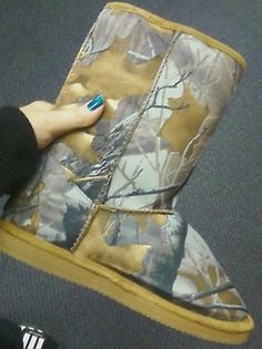 Rosie loves camo cuz she's a country girl, these boots would be perfect for winter