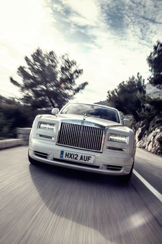 White In Shining Armour Rolls Royce Phantom Series II Autos Cars