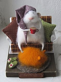 Felt mouse, white felted mouse, Miniatures for doll house.Mouse in a chair.