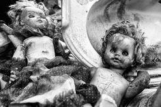 BoredPanda, The Souls Of Dolls: Scary Photos Of Abandoned Children Companions