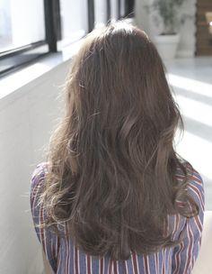 ドライラベンダーアッシュロング(ok-18)   ヘアカタログ・髪型・ヘアスタイル AFLOAT(アフロート)表参道・銀座・名古屋の美容室・美容院