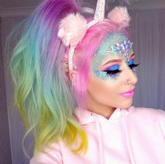 This unicorn makeup is so cute! I love the pastel hair too