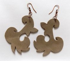 be1 Leather Earrings, Gingerbread Cookies, Desserts, Food, Art, Gingerbread Cupcakes, Tailgate Desserts, Art Background, Deserts