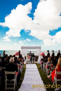 i will die if i have clouds like this at my wedding. gorgeous!!