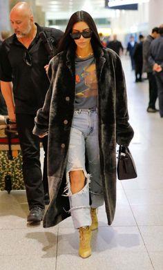 Kim Kardashian At Jfk Airport In New York - January 16, 2017