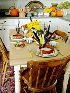 Kids' Thanksgiving Table : Decorating : HGTV