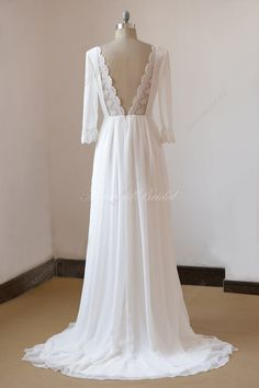 Lace open bacj ivory a line chiffon wedding dress with mid sleeves It is very flowy and comfortable to wear, suitable for all outdoor weddings
