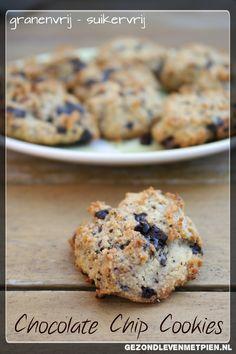 Heerlijke chocolate chip cookies die granenvrij en suikervrij zijn. Bewijst maar weer dat je met de Broodbuik eetwijze nog steeds iets lekkers kunt eten!
