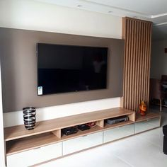 Modern Tv Room, Modern Tv Wall Units, Home Room Design, Interior Design Living Room, Living Room Built In Cabinets, Tv Unit Furniture Design, Living Room Tv Unit Designs, Bedroom False Ceiling Design, Small Apartment Design