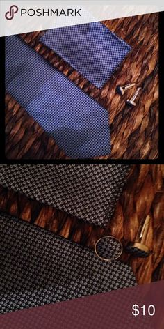 Men's matching tie, pocket square & cufflinks set! Never worn, small check pattern in shades of blue, cufflinks edged in silver, polyester Accessories Ties