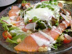 Okayama|岡山 おかやま|Restaurant|火蔵 ポクラ POKURA 岡山駅前本店|スモークサーモンと温泉卵のサラダ