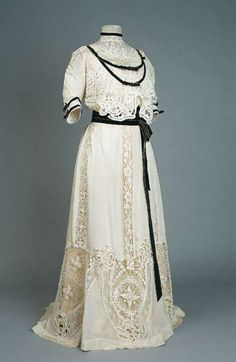 Dress, 1904 From the Museum of Arts and Crafts - Fripperies and Fobs