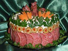 APERITIVE FESTIVE - CAIETUL CU RETETE Tea Party Sandwiches, Sandwich Cake, Wrap Sandwiches, Appetizer Recipes, Snack Recipes, Appetizers, Snacks, Meat Cake, Caramel Crunch