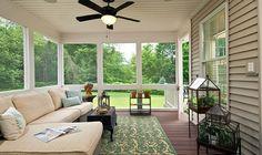 Krásné domy s terasou. Jaký je rozdíl mezi verandou z terasy