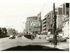 1975, calle Vía Augusta con President Companys. Foto de Manuel García. #badalona #barcelona #museubadalona #daltlavila