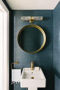 Blue Powder Rooms, Modern Powder Rooms, Powder Room Decor, Powder Room Design, Small Powder Rooms, Powder Room Lighting, Small Bathroom Sinks, Gold Bathroom, Small Bathroom Wallpaper