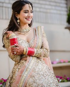 For all the brides of today, these trending bridal poses will make sure that you are captured beautifully in your elegant bridal ensemble. Indian Bridal Outfits, Indian Bridal Fashion, Indian Bridal Wear, Indian Dresses, Bridal Dresses, Indian Wear, Indian Attire, Bridal Poses, Bridal Portraits
