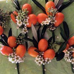 Lovely alternative buttonholes from Saturday's wedding- kumkwats wax flowers and flowering poplar smelt divine!! #bridal #buttonholes #amandaaustinflowers @amandaaustinflowers #chelseaflowershop