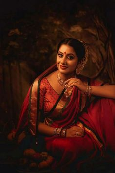 Vintage Photography Women, Indian Photography, Indian Women Painting, Indian Paintings, Beautiful Muslim Women, Beautiful Girl Image, Best Photo Poses, Indian Wife, Indian Classical Dance