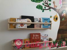 Libri per bambini da 0 a 1 anno: Leggere ai neonati Thing 1, Floating Shelves, Storage, Home Decor, Purse Storage, Decoration Home, Room Decor, Wall Shelves, Larger