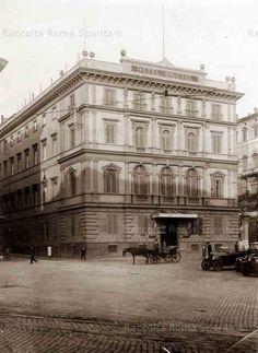 Piazza Barberini – Hotel Bristol Anno: 1900 Hotel Bristol, Louvre, Building, Travel, Rome, Photos, Viajes, Buildings, Trips