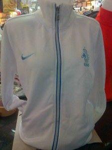 jaket belanda cewek putih, didesain untuk cewek kombinasi biru muda untuk logo dan resleting pemesanan sms di 085645452236 kami jual jaket bola lengkap