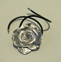 Verode fundido en aluminio. Colgante. Metal, Design, Craft Art, Pendants, Xmas, Metals