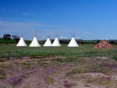 321 North Dakota/Montana, Fort Union Trading Post, Nearby TeePees Project, via Flickr.