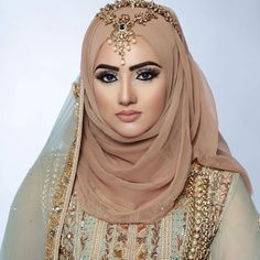 26 Ideas how to wear hijab headscarves muslim women Bridal Hijab Styles, Disney Wedding Dresses, Muslim Brides, Pakistani Wedding Dresses, Muslim Women, Bridal Dresses, Bridal Outfits, Beau Hijab, How To Wear Hijab