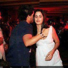 #SiddharthMallya and #KatrinaKaif Oops Moment-  http://goo.gl/QKdpmC