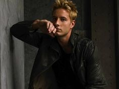 Justin Hartley/Oliver Queen/Green Arrow