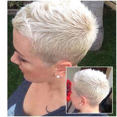 Funky Short Hair, Super Short Hair, Short Grey Hair, Short Hair Cuts For Women, Short Hair Styles, Short Cuts, Very Short Haircuts, Corte Y Color, Haircut And Color