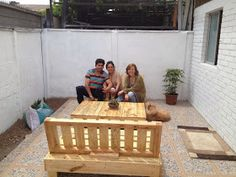 """""""Decoy construcción"""" furniture with recycled pallets Diy Pallet Furniture, Outdoor Furniture Sets, Outdoor Decor, Cedar Playhouse, Decoupage, Recycled Pallets, Play Houses, Toddler Bed, Recycling"""
