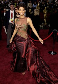 Pin for Later: 30 Iconic Oscars Dresses Worthy of Their Own Award Halle Berry at the 2002 Academy Awards