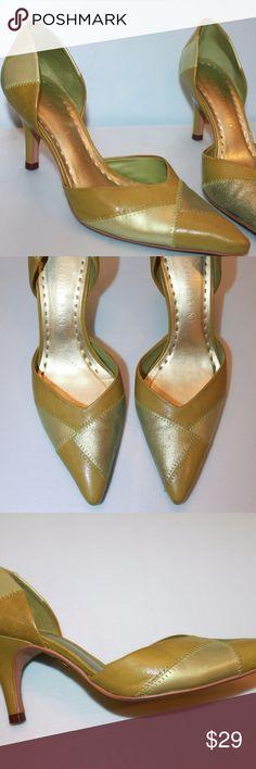 Gianni Bini 6M Green Patchwork Kitten Heels Gianni Bini Green Patchwork Kitten Heels  Size 6M  Smoke free home. Gianni Bini Shoes Heels