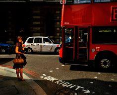Trent Parke. G.B. ENGLAND. London. Financial District. Threadneedle Street. 2006.