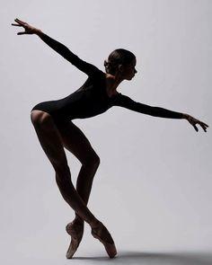 Ballet: The Best Photographs Bolshoi Ballet, Ballet Dancers, Ballerinas, Ballerina Dancing, Shall We Dance, Just Dance, Bild Tattoos, Dance Movement, Dance Poses