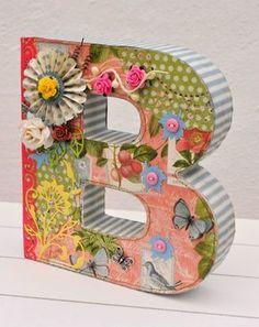 Letra B decorada con scrapbooking / Letter B